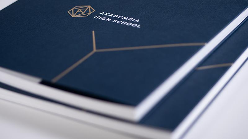 Album informacyjny szkoły Akademeia High School