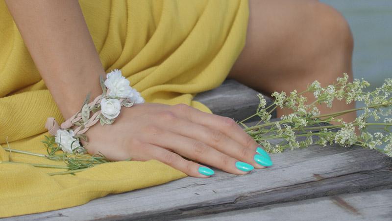 Stylizacja paznokci modelki zfilmu reklamowego PasTells